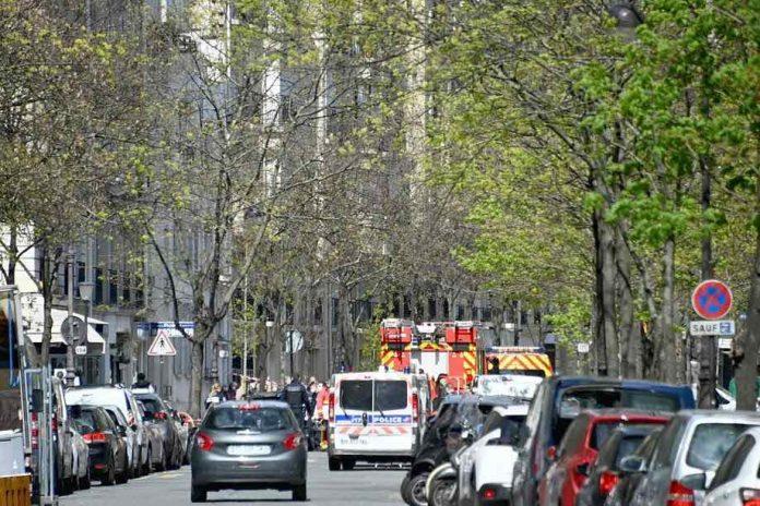 Ce que l'on sait de la fusillade qui a fait un mort et un blessé grave dans le 16e arrondissement de Paris (détail)