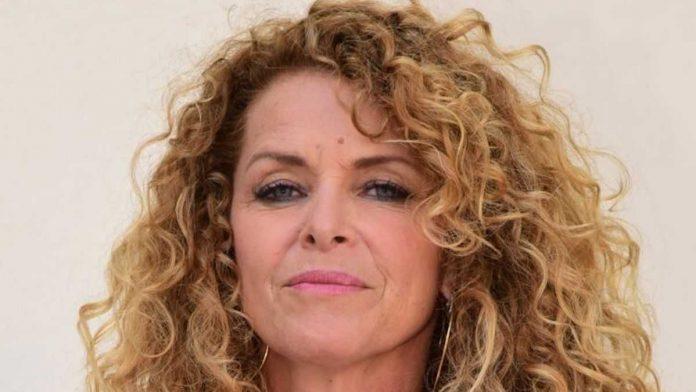 Manuela Lopez atteinte d'une maladie incurable : la comédienne se confie sur son traitement (détail)