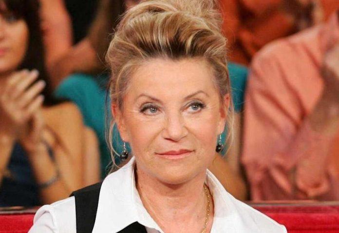 La chanteuse Sheila fait une douloureuse confidence sur l'overdose de son fils, Ludovic Chancel