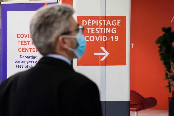 Covid-19 France: bientôt le retour des voyageurs européens sans test PCR ?