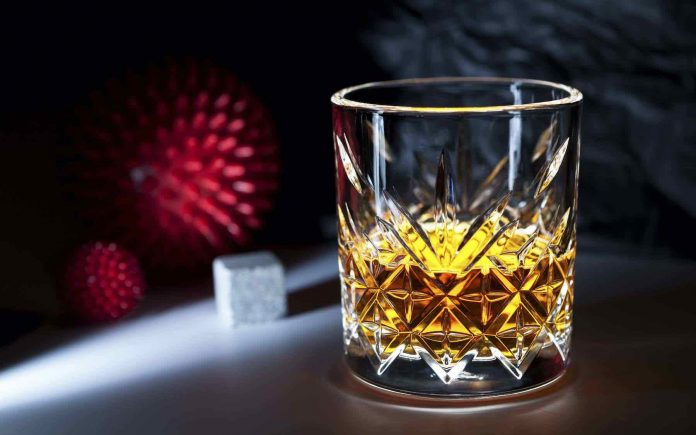 Déconfinement : Peut-on boire de l'alcool après le vaccin Covid