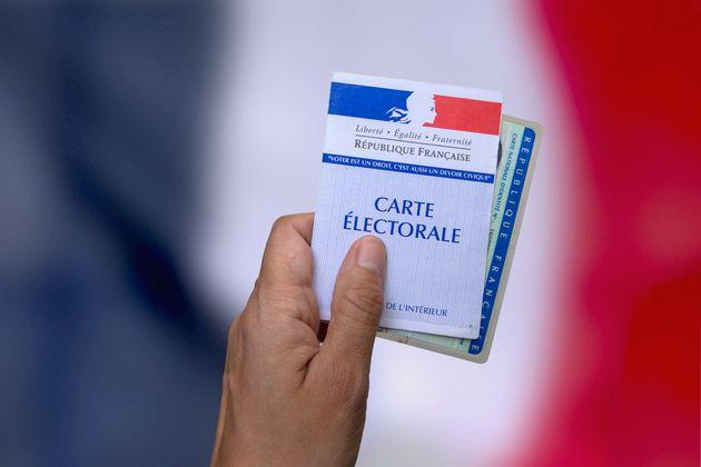 Elections régionales et départementales en direct : Taux de participation à midi, 12,22%, contre 16,27% en 2015