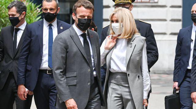 Emmanuel Macron giflé par un homme : le geste était-il prémédité ?