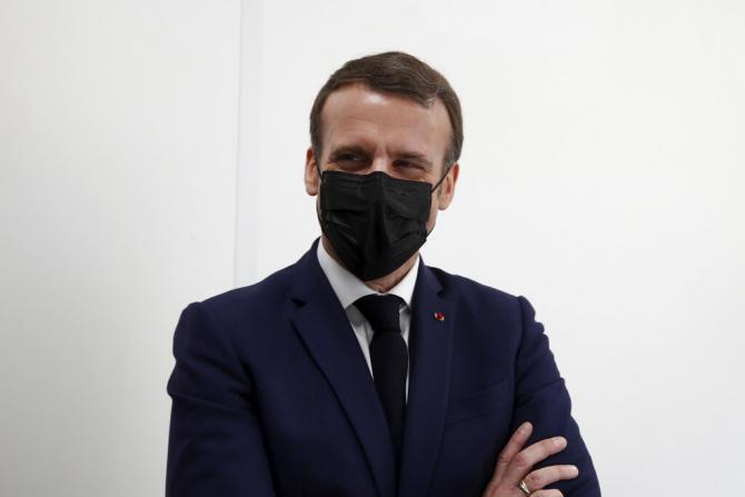 Levée des masques en extérieur: Emmanuel Macron donne des détails