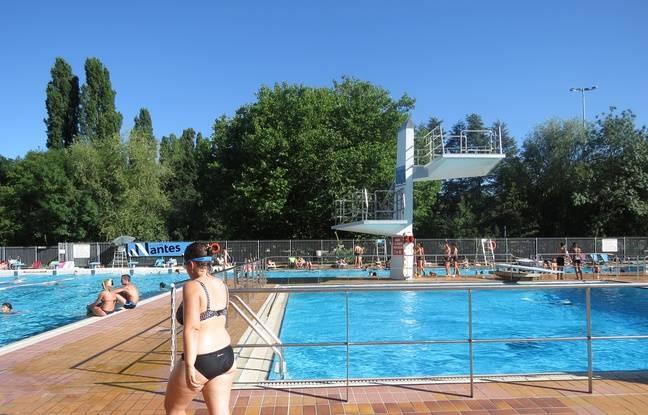 Une femme interpellée par un maître-nageur à la piscine de Besançon pour un maillot « trop échancré » (détail)