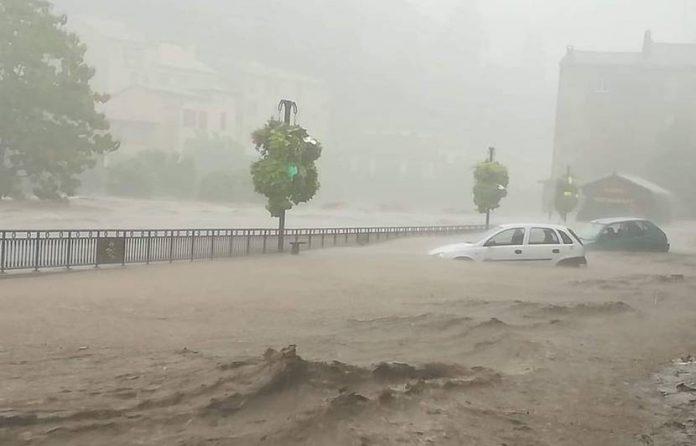 Inondations dans le Gard : 184 mm de pluie en deux heures
