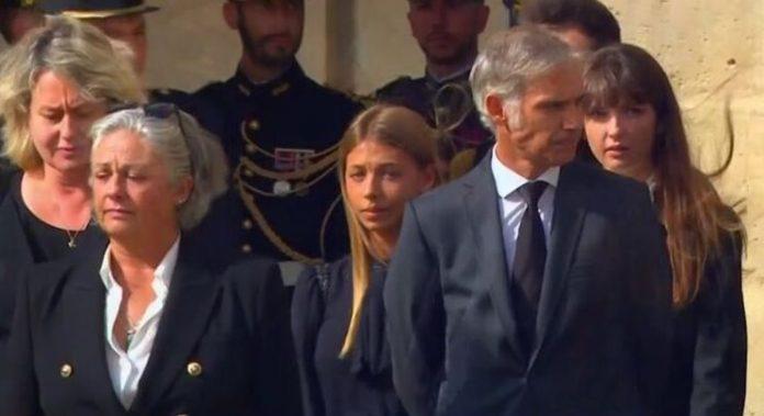 Obsèques de Jean-Paul Belmondo : Les larmes de Stella lors de l'hommage national