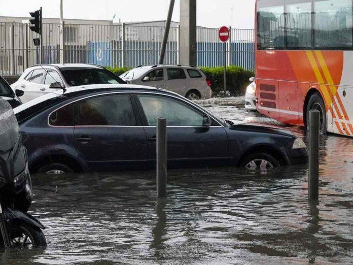 Inondations à Marseille : un mort, et les Bouches-du-Rhône en alerte rouge