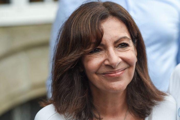 Présidentielle 2022 : Anne Hidalgo entend « reposer la question du temps de travail »